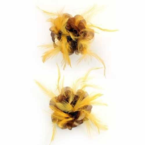 Bruine zijdebloem gouden veren broche