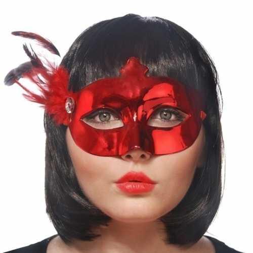 Rode oogmaskers veren dames