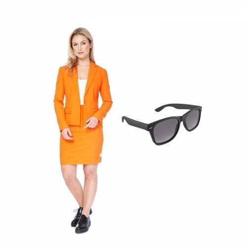 Verkleed dames mantelpak oranje maat 40 (l) gratis zonnebril